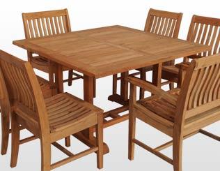 Mesa fija cuadrada con sillas fijas